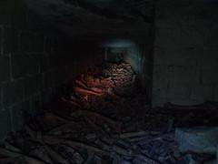 carrefour des morts (boklm) Tags: paris underground catas os bones catacombs exploration montparnasse quarry cimetiere souterrain catacombes morts urbex grs kta ossuaire carriere ossements squelettes carrefourdesmorts grandreseausud