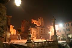 IMG_3199 feltre e la rocca di sera (patatanca) Tags: italy eos italia rocca sera notturno feltre 400d feltrino bellunese