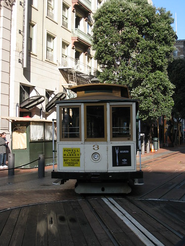 Trolley Car Turnaround @ Powell and Mason