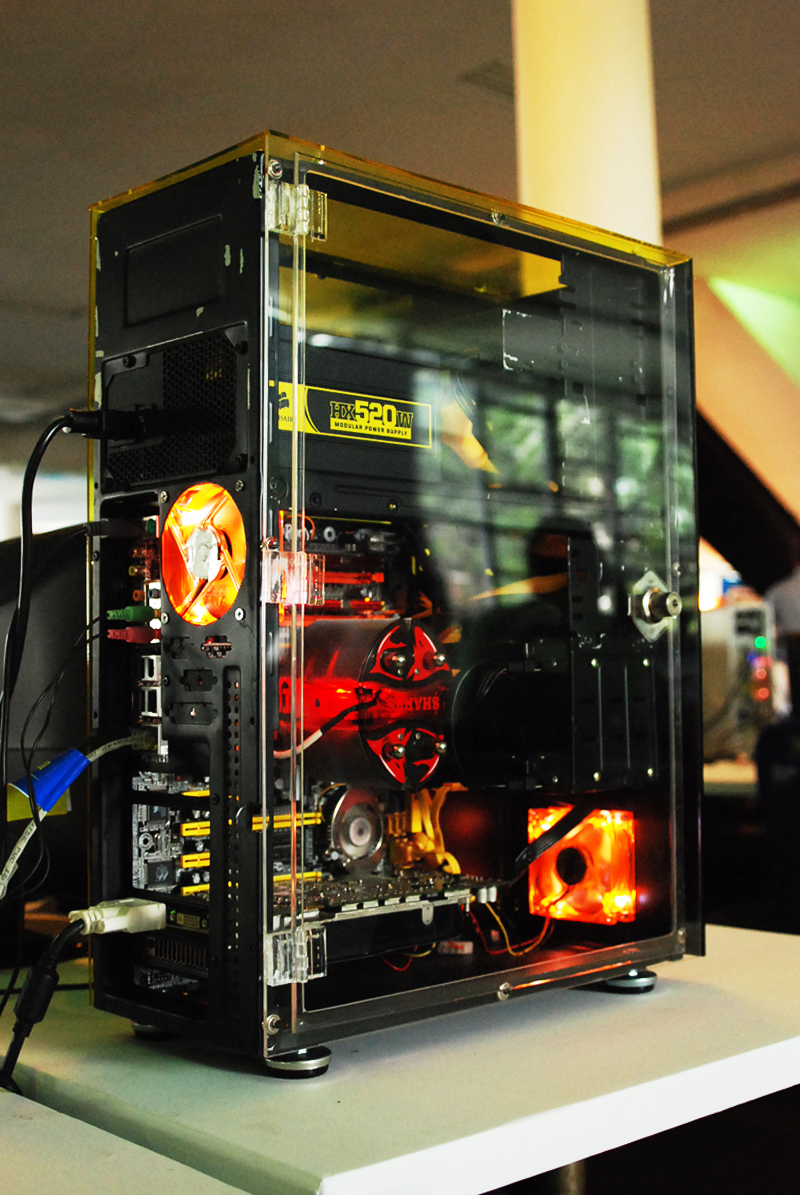 Cursos de Modding para PC (Modifica tu PC)  2263520570_a58ce37023_o