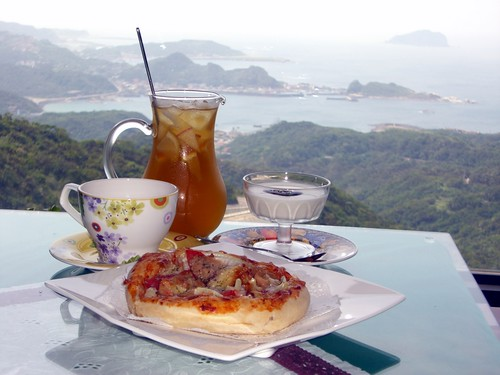 Afternoon tea at a cafe & tea house in Jiufen