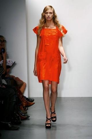 Spijkers en Spijkers, vestidos y buzos originales, moda para mujer colección de verano