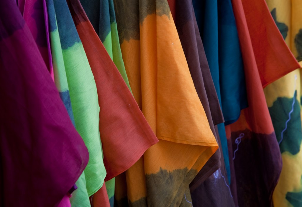 Colours Of Riberac Market - T-Shirts