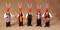 Red Devil band Oaxaca (Teyacapan) Tags: wood musicians crafts devils artesanias oaxaca carvings musicos diablos mexicanas alebrijes zapotec