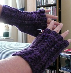 cable & twist mitts2