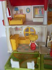 Bedroom & kitchen (Lucychan80) Tags: heidi candy gigi casimir candycandy hellospank mayalabeille jeanneetserge lîleauxenfants claireettipoune dorothéeetcandy minkimomo collectionjouetsvintage jouetsannées80  キャンディキャンディ