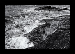 Trebarwith Cove, January. (SK Monos) Tags: seascape sea coast monochrome blackwhite winter january cornwall england uk britain canon eos 5d spray tide water storm waves