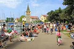The open-air market held every Saturday morning in Landau (B℮n) Tags: blue summer lighthouse lake holiday alps streets tower church colors st swimming germany festive boats island bavaria harbor am fishing topf50 sailing rooftops market speedboat pastel saturday atmosphere lindau panoramic historic marienkirche charming tours rathaus viewpoint bodensee narrow constance leuchtturm neue openair duitsland bavarian clearwater bayerische watersport dirndl altes peterskirche 50faves bodenmeer mangturm 33m stephankirche römerschanze bodenseeradwanderweg löwede