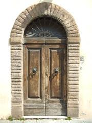 Tr in Lucca (solino_222) Tags: door italien italy puerta italia doors tuscany porta porte tor toscana tr italie toskana tren portes tore dwwg
