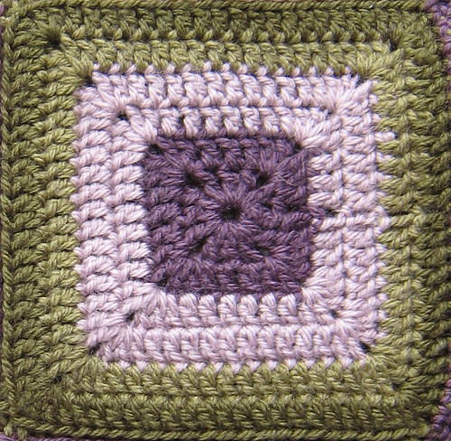 Easy granny square crocheting instructions