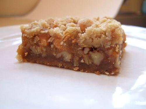 oatmeal caramel pecan bars (8)