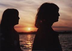 julia paula silhouette flip