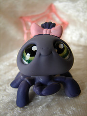 LPS - Spider (A Tribute 2 Toys) Tags: toy spider eyes newtoys littlestpetshop thetoyshoppe gottoys