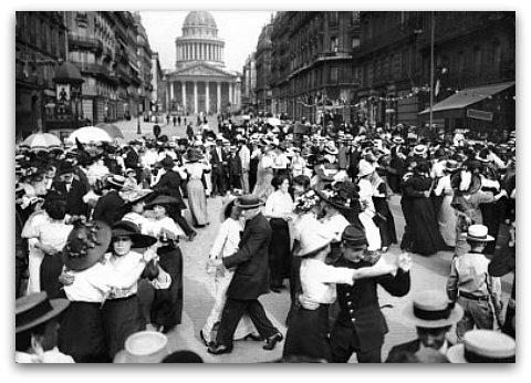 Bal Du 14 Juillet Devant Le Panthéon. Paris Vème Arr., 1912 © Maurice  Branger / Roger Viollet