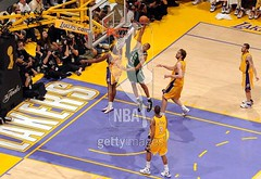 pj brown dunking on the black mamba