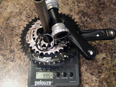 Shimano Deore FC-M532 Crankset Weight (aar0on) Tags: scale bike bicycle bb weight shimano deore bottombracket chainrings crankset