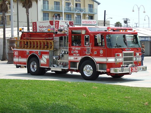 Los Angeles City Fire Truck by andydarby.