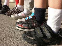 mismatch (dogwelder) Tags: california school feet socks kids work children october shoes sneakers zurbulon6 northridge 2007 mismatchday zurbulon gatturphy lausd balboamagnet skechersxtreme