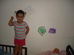 MUY MAL (SANDRIUX) Tags: wall pared la colored con pinto crayolas travesura