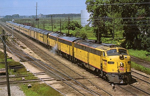 Milwaukee Road Hiawatha (Yellow Paint)