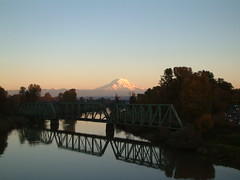 Puyallup River and Mt. Rainier (Rob Green - SmokingPit.com) Tags: green train river washington mt rob rainier wa tacoma puyallup trussle