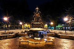 A Snowy Santa Fe Eve at Cathedral Park (Fort Photo) Tags: longexposure sculpture snow newmexico santafe art night dark nikon nightscape nocturnal searchthebest nm stfrancis nocturne 2007 d300 cathedralpark abigfave diamondclassphotographer fiveflickrfavs nikond300 settlersmonumentcathedralpark nonr