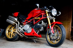 IMG_0076 (100% Beef) Tags: monster ducati desmo ducatimonster s2r ohlins ducatis2r marchesini