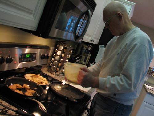 dad making ployes