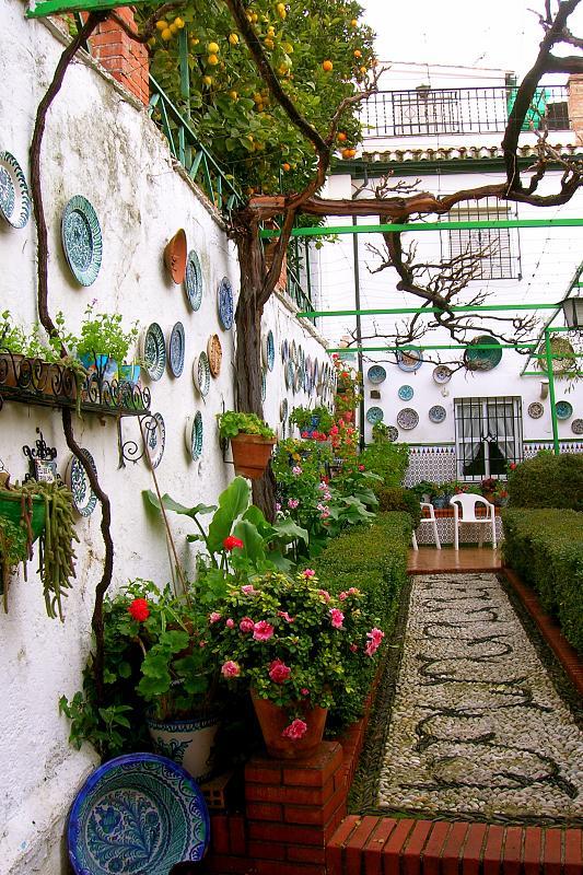 Granada, home garden