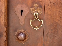 Knocker 4 (Arash_Khamoosh) Tags: door wood iran dome knocker keyhole abyaneh keyway