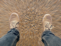 Chute libre   #Explore (Alex..H) Tags: sol ground shoes chaussures jean zoom chute explore