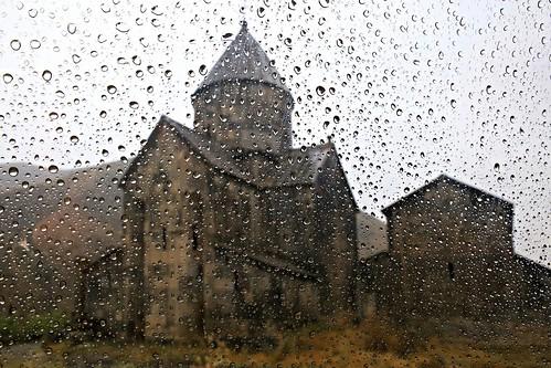 Vorotnavank Monastery through raindrops