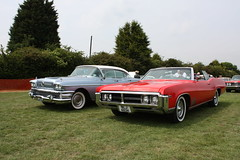 Wildcat and Routemaster Side by Side (Turnsomeheadz) Tags: buick wildcat roadmaster buicks turnsomeheadz wildcatbest