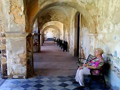 Aging (arepera) Tags: door old castle lady puerta san sitting juan puertorico vieja entrance sanjuan entrada pr portal flaking viejo morro felipe castillo elmorro sanfelipe seora sentada superbmasterpiece