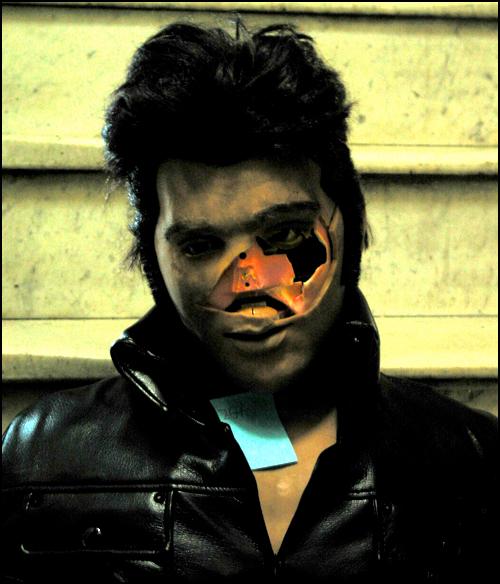 Zombie Elvis Karaoke-bot 3
