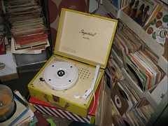 A 1950\'s 45 rpm record player in Steve\'s office