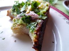 hummus sardwich