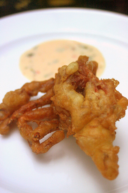Deep-fried Soft Shell Crab with special pineapple dip