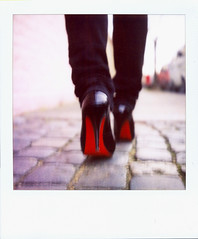 (czuczy) Tags: polaroid shoes cobbles southlondon sz70 louboutins sx70blendfilm