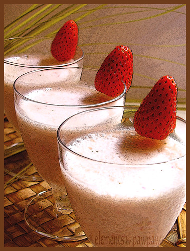 Strawberries Milk Shake