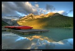 Lake Louise - before the tourists rush (Arnold Pouteau's) Tags: canada reflection sunrise rockymountains lakelouise banfnationalpark diamondclassphotographer flickrdiamond megashot bratanesque fland10