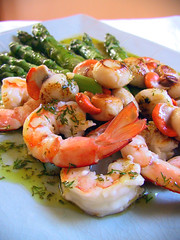 Scallops & prawns with asparagus