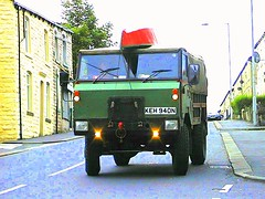 The Wun Ur Wun (Lawrence Peregrine-Trousers) Tags: one control military rover canoe 101 land forward ton burnley coalclough ffffffffff