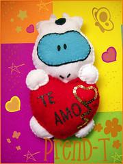 Cow enamorada  (PrenD-T) Tags: love cow handmade amor felt feltro cowcow sanvalentin hechoamano fieltro prendt