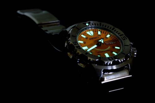 Seiko Orange Monster lume