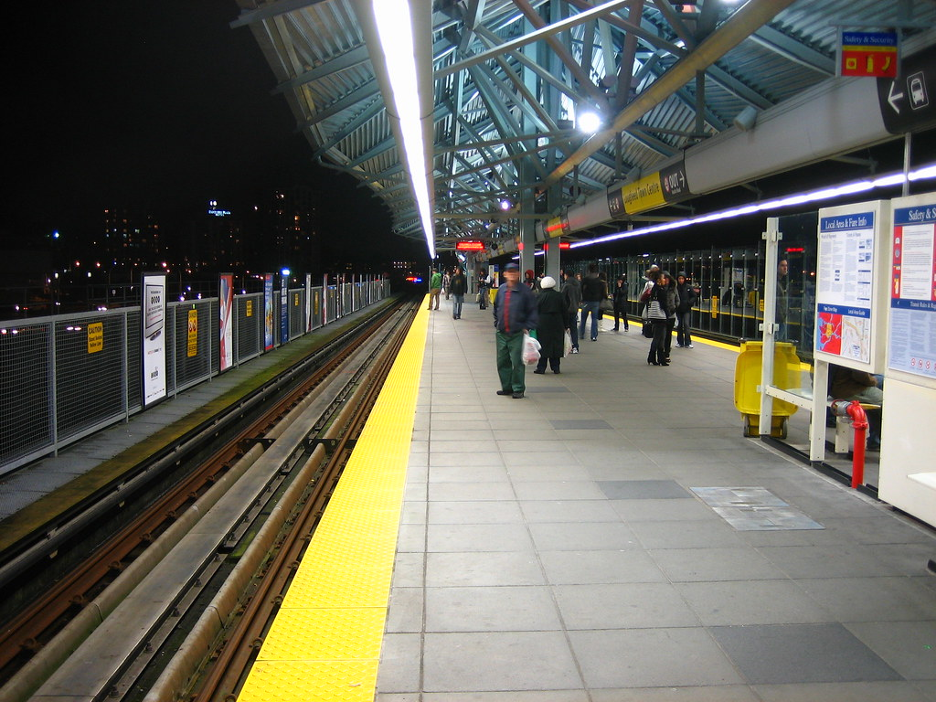 Lougheed Town Centre Platform