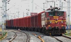 BCNA Rake leaves Ajni (Saqib Karori - TucsonRailfan) Tags: ir trains nagpur indianrailways rajdhani ngp irfca wap4 sbcraj