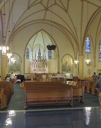 Saint Matthew the Apostle Roman Catholic Church, in Saint Louis, Missouri, USA - nave