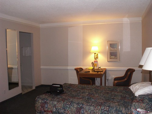LaQuinta Room 311 - Desk
