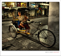 Sleepy Taxi Biker @ Chiang Mai (Thailand) (Eric Rousset) Tags: voyage street travel bike photoshop thailand photography reflex bravo asia cs2 sleep taxi sony transport sigma wideangle thalande adobe chiangmai asie 2007 bpp postprocessing themoulinrouge sigma1020 outstandingshots rosedunord sonydslra100 bratanesque thegoldenmermaid piproduction nouvellecite ericrousset ericroussetphotography